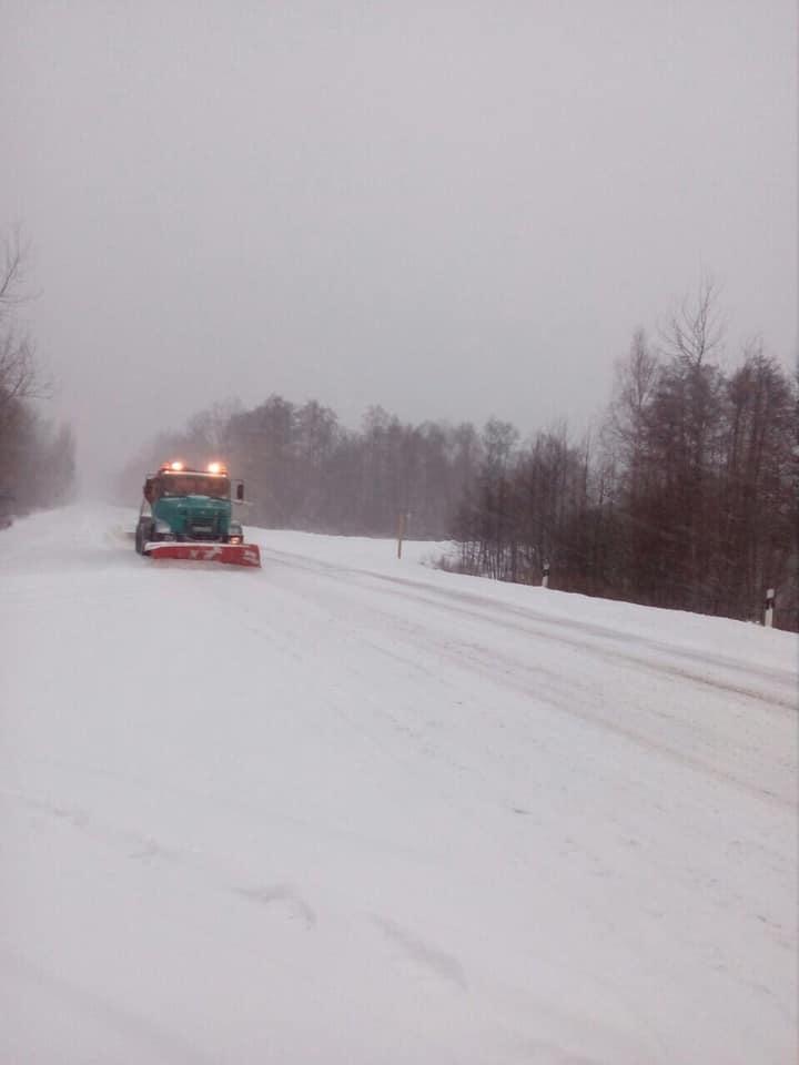 На Волині дороги розчищають від снігу