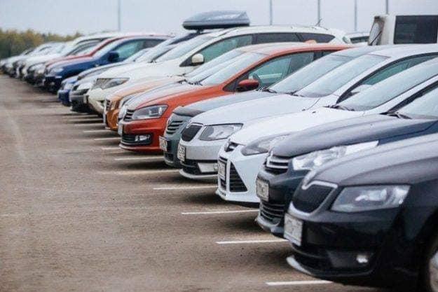 Луцькі муніципали майже готові до боротьби з порушниками правил паркування. ФОТО