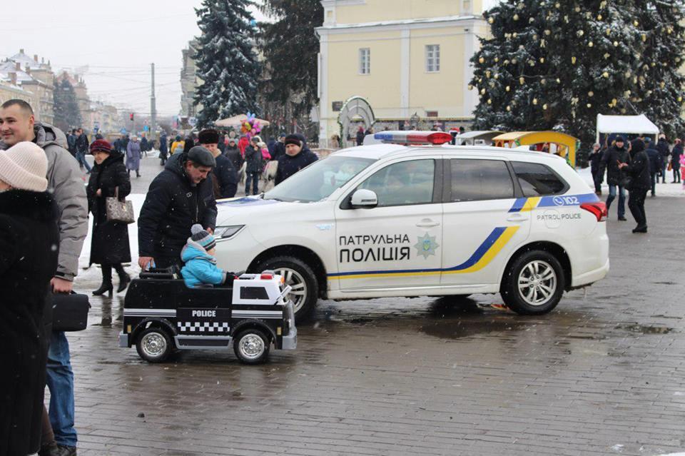 Лучани разом з правоохоронцями зустрічали Різдво. ФОТО