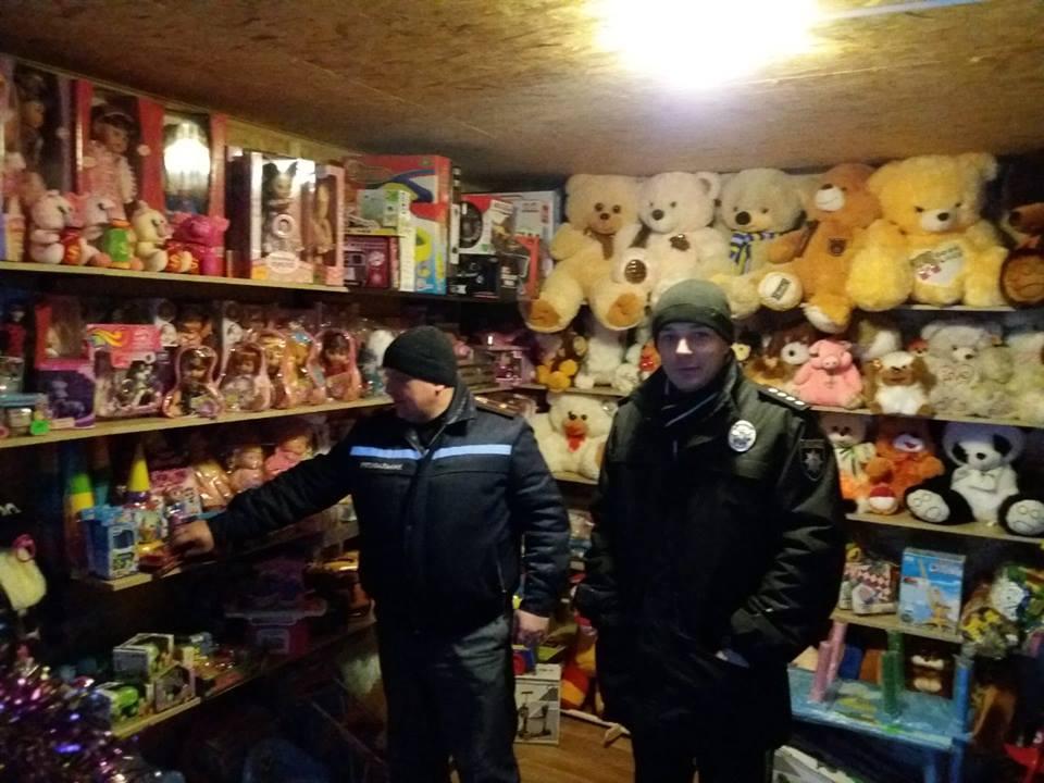 На Волині провели рейд ринками у пошуках незаконного продажу феєрверків та петард. ФОТО