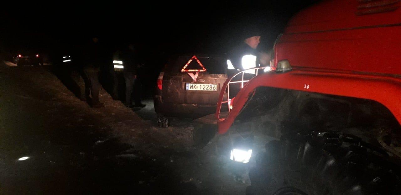 На Волині водія довелося вирізати з авто після ДТП