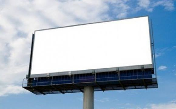 У Луцьку планують демонтувати незаконні рекламні щити