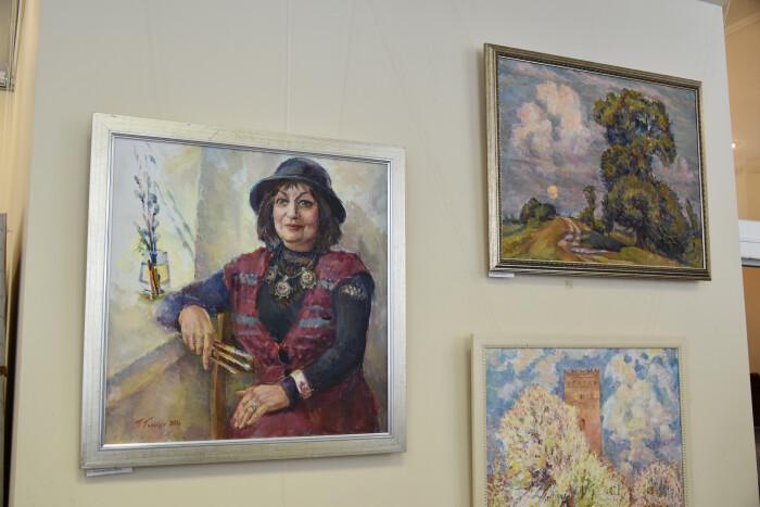 У луцькій арт-галереї відкрили виставку робіт Тетяни Галькун. ФОТО