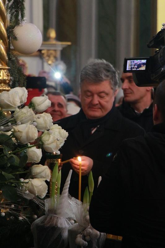Порошенко показав відео зі свого візиту до Луцька