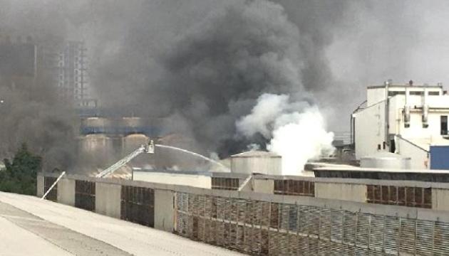 У Стамбулі горить алкогольний завод