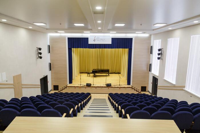 У луцькій музичній школі відремонтували концертний зал. ФОТО