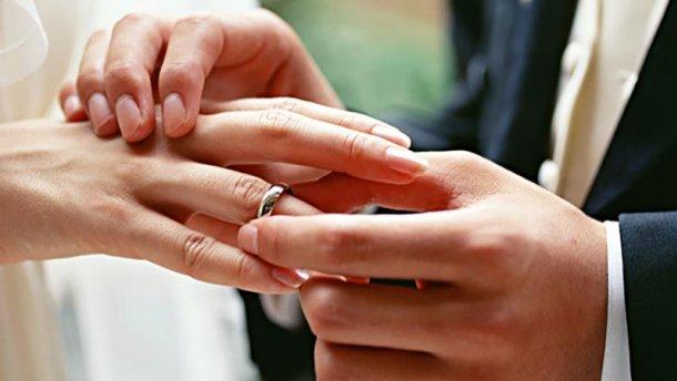 За минулий рік зареєстрували 72 шлюби лучан з іноземцями
