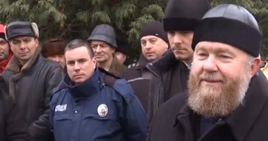 На Волині громада хоче приєднатися до ПУЦ, а місцевий священник проти. ВІДЕО