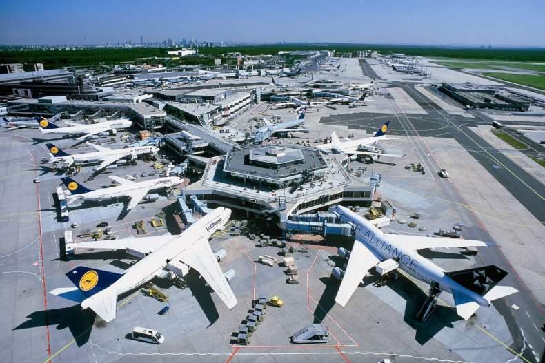 Через страйк в аеропорту Франкфурта українцям радять перебронювати квитки