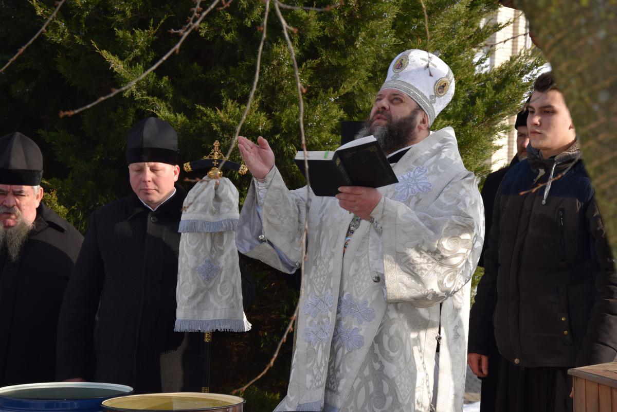 У день Водохреща на КП «Луцькводоканал» традиційно освятили воду. ФОТО
