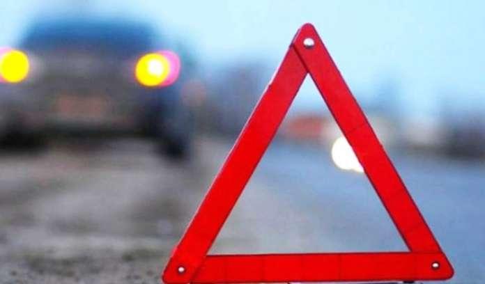 Поблизу Луцька автомобіль насмерть збив пішохода