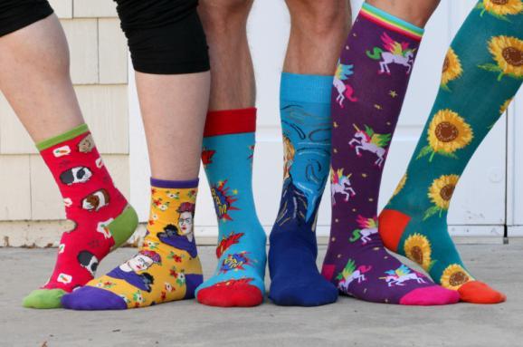 Через «Устилуг» чоловік хотів незаконно ввезти 290 пар шкарпеток