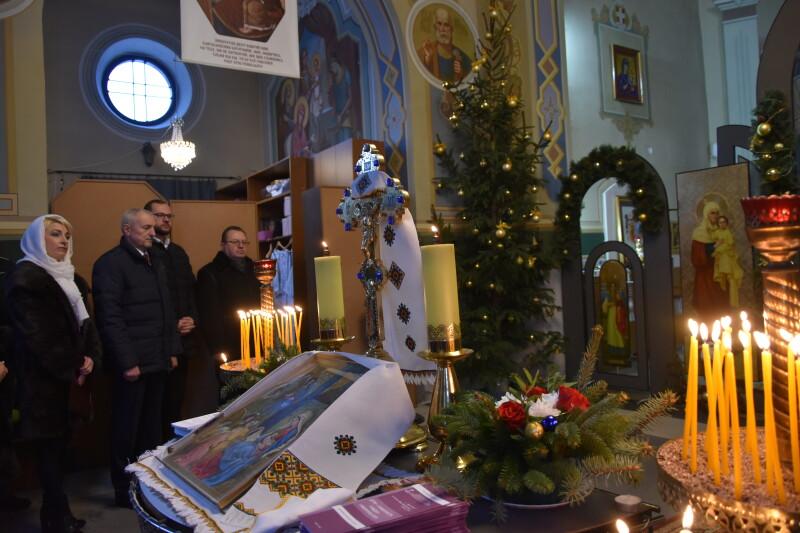 Святкування Різдва Христового зібрало лучан у храмах міста. ФОТО
