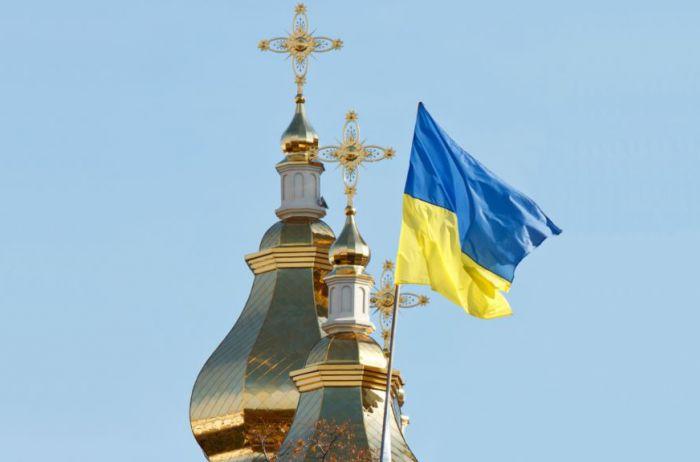 Волинський священик сумнівається у законності переходу громади до ПЦУ через печатку голови сільради