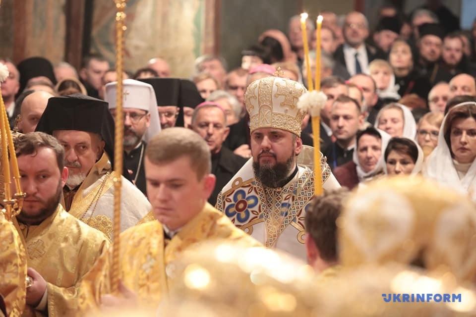 Предстоятеля Православної Церкви України офіційно звели на престол. ФОТО