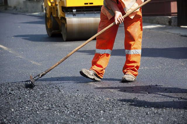 У Луцьку ремонт вулиць холодною сумішшю витратять майже 200 тисяч гривень