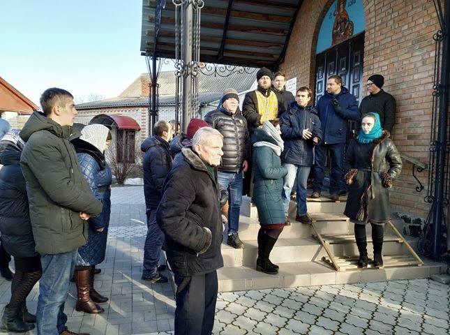 У Московському Патріархаті стверджують, що дві громади під Луцьком лишаються з ними