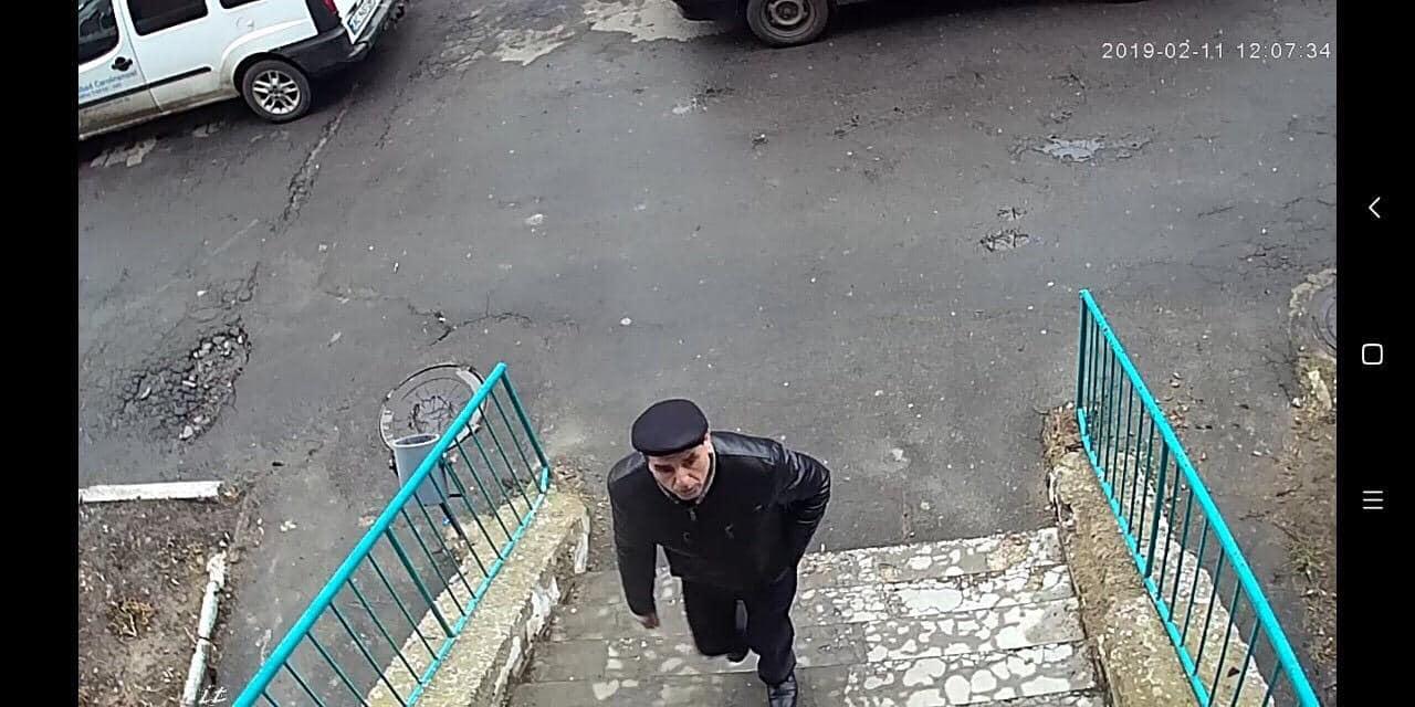 У Луцьку розшукують шахрая, який збирав гроші «на церкву». ФОТО