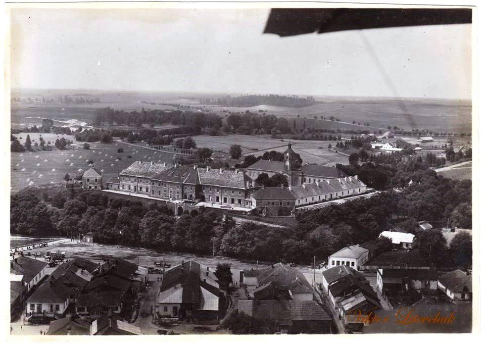 Лучанин показав аерофото Олицького замку