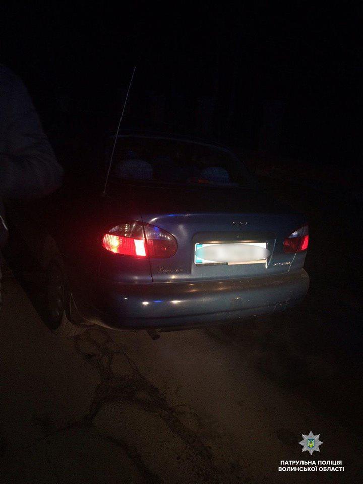 У Луцьку патрульні виявили автомобіль з підробленими документами