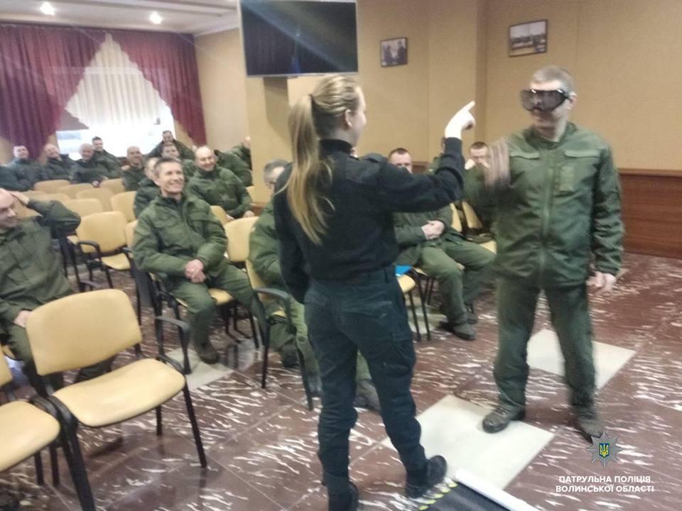 Волинські військові випробували алкоокуляри. ФОТО