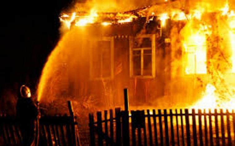 Сім'я з Волині з малими дітьми, у якої згорів будинок, потребує допомоги небайдужих. ФОТО