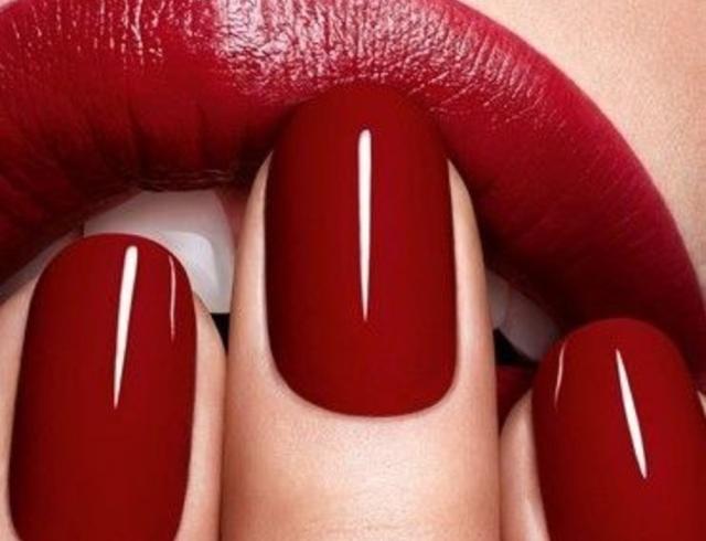 З історії манікюру: з чого були нігті Клеопатри, звідки походить французький манікюр та як починався успіх гель-лаків