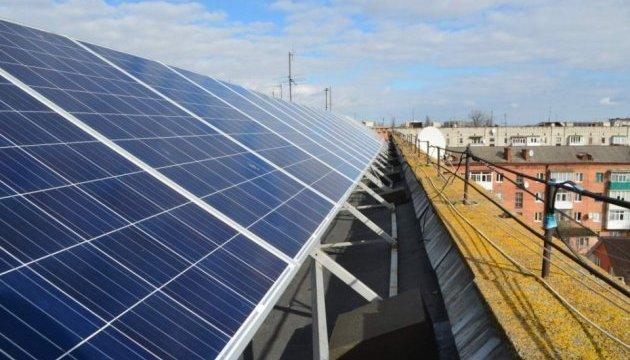 Близько 7,5 тисяч приватних домогосподарств в Україні встановили сонячні панелі