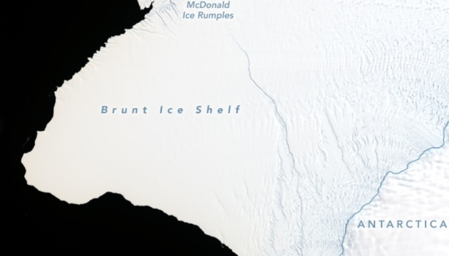 В Антарктиді відколюється айсберг розміром як два Нью-Йорка