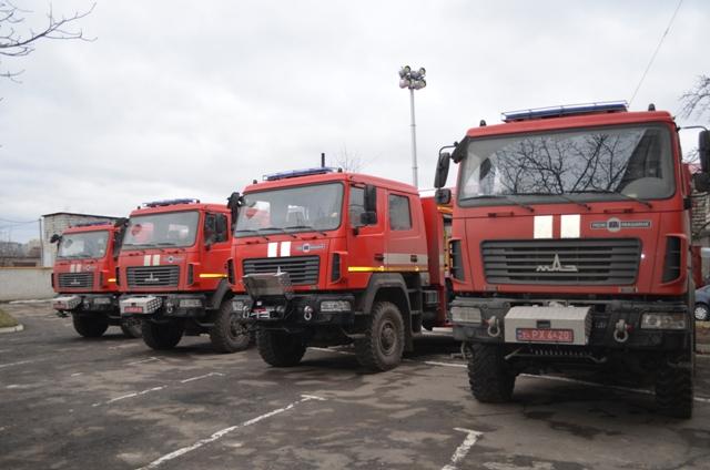 На Волині рятувальникам передали нові пожежні автомобілі.ФОТО. ВІДЕО
