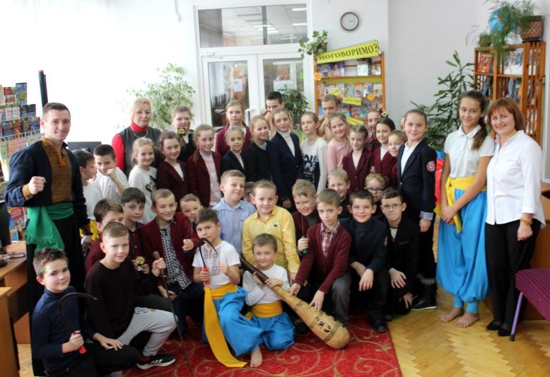 Читачам волинської бібліотеки розповіли, цікаві факти про козаків. ФОТО