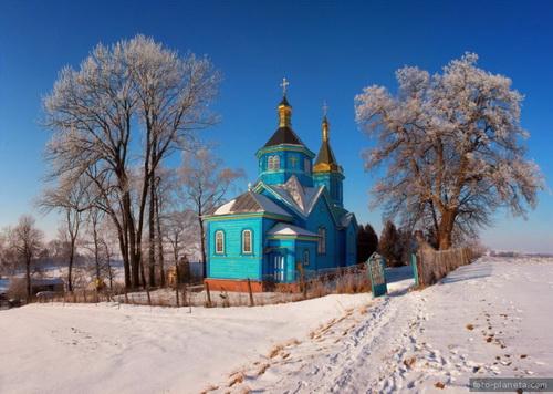 Московський Патріархат каже, що забороняє священику службу
