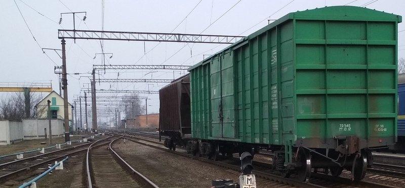 Чоловік потрапив під вантажний потяг у Луцьку