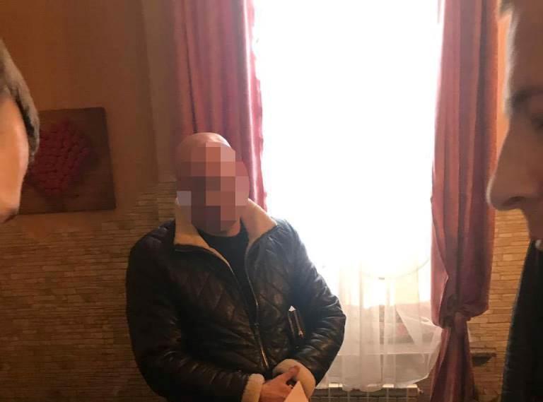 Депутата Луцькради спіймали на хабарі. ФОТО