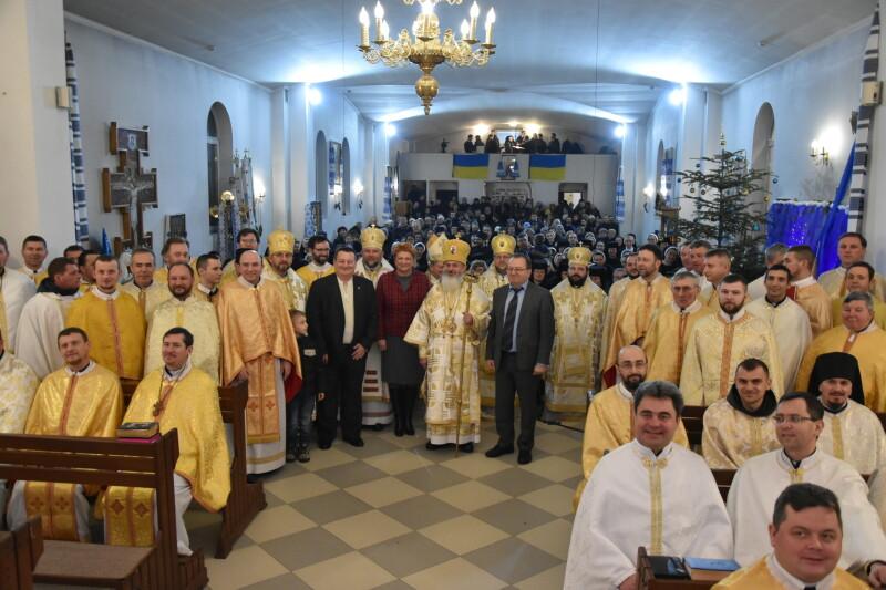 У Луцьку Українська греко-католицька церква молилась за богопосвячених осіб. ФОТО