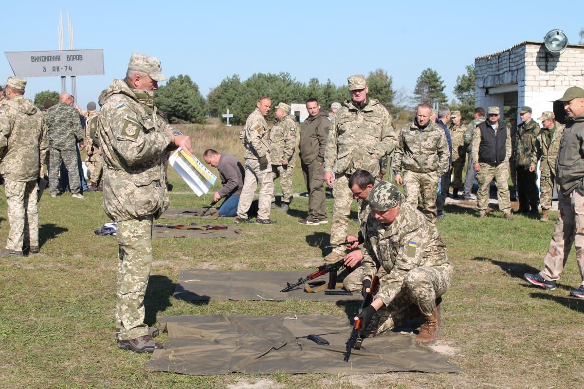 Стрілецький день: у Володимирі взяли участь у навчанні понад сто частин