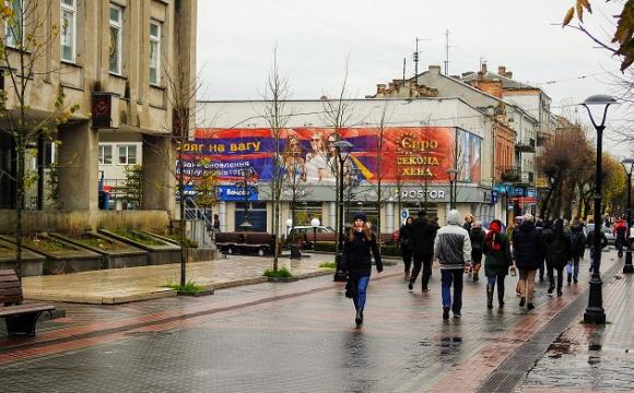 Взуттєвому підприємству дозволять відновити межі ділянки у центрі Луцька