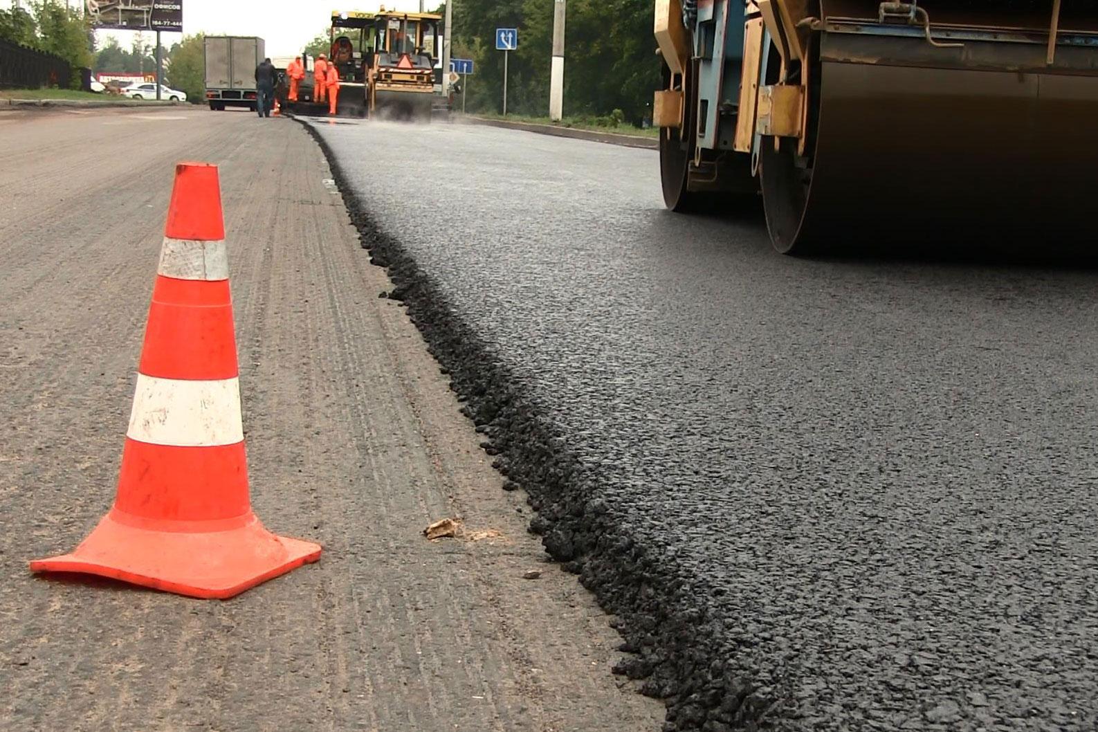 На Волині ремонт автодороги здійснюється за маршрутним принципом. ФОТО
