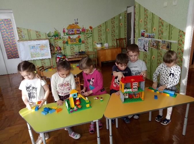 На Волині дитсадки безкоштовно отримали ігрові набори «LEGO» . ФОТО