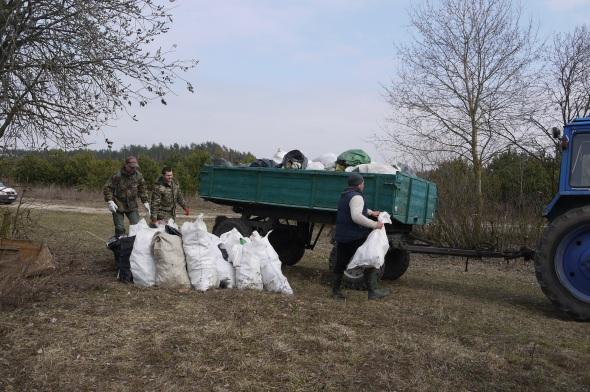 На заплаві річки Стир зібрали 150 мішків сміття. ФОТО