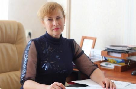 Скільки заробляє начальниця управління освіти Луцькради
