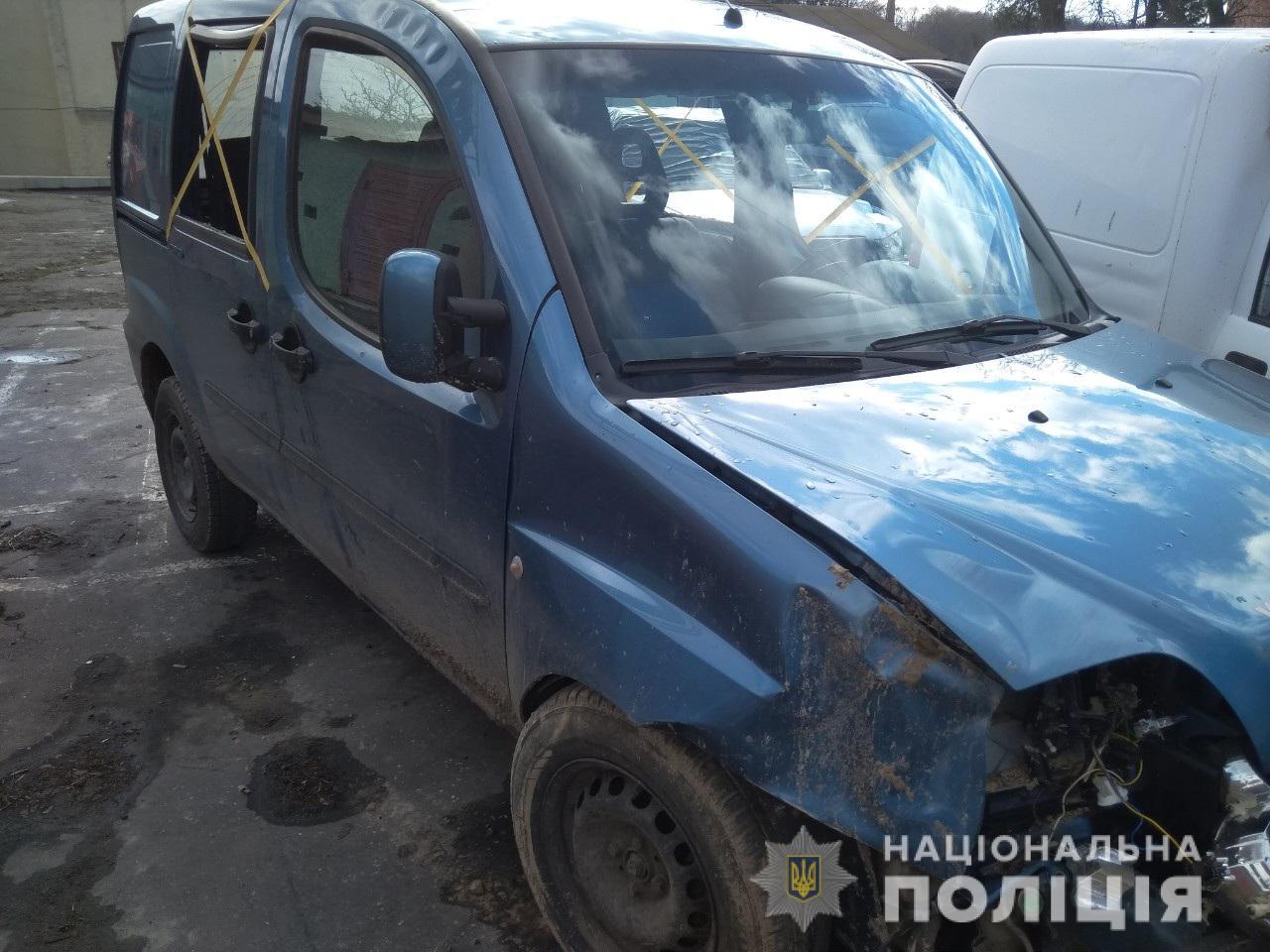 На Волині автомобіль злетів у кювет, водій загинув