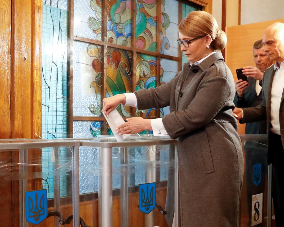 Юлія Тимошенко не визнає результати екзит-полу і стверджує, що вийде в другий тур
