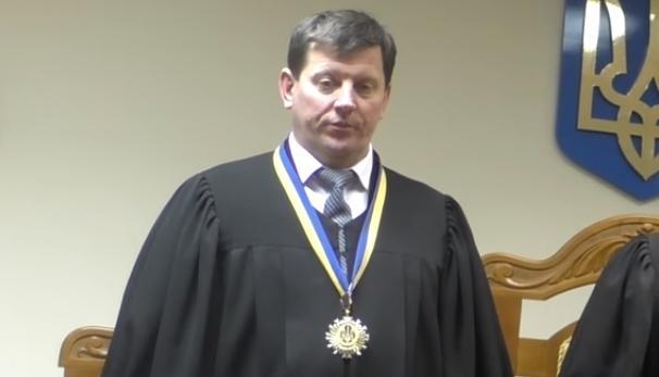 Волинський суддя будує два будинки
