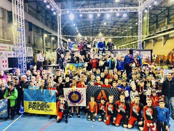 Збірна Волині зайняла перше місце на чемпіонаті України зі змішаних єдиноборств ММА