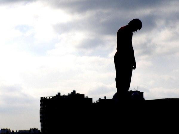 Волинянин через сімейні проблеми ледь не покінчив життя самогубством. ВІДЕО