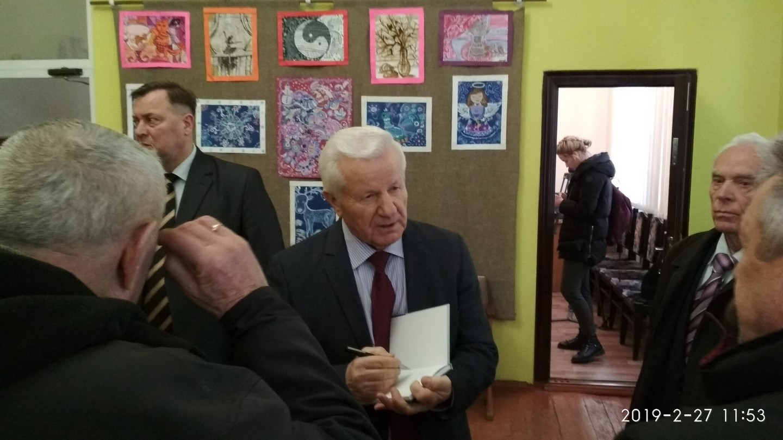Кандидат у Президенти на Волині розповідав про своє балотування у стінах комунального закладу – «ОПОРА» заявляє про порушення правил фінансування оренди