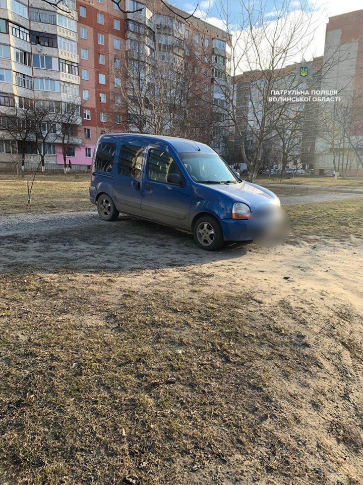 У Луцьку виявили автомобіль з підробленими документами