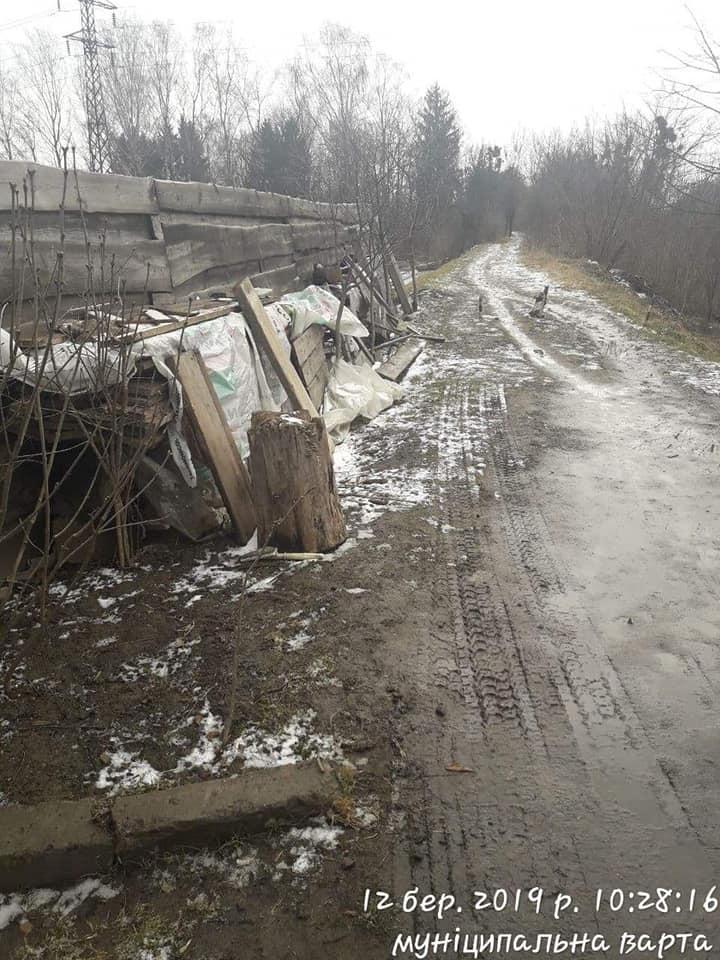 Лучанин скинув будівельне сміття на берзі Стиру. ФОТО
