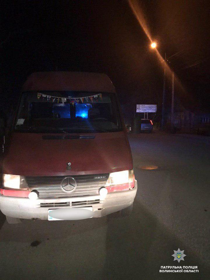 У Луцьку патрульні виявили автомобіль, який перебуває в розшуку